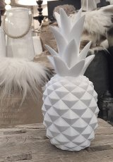 White pineapple, ananas dekoration