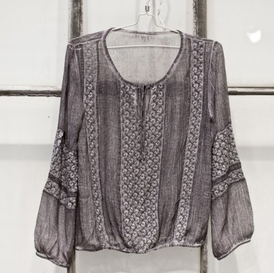 Sixty days – Love lace blouse